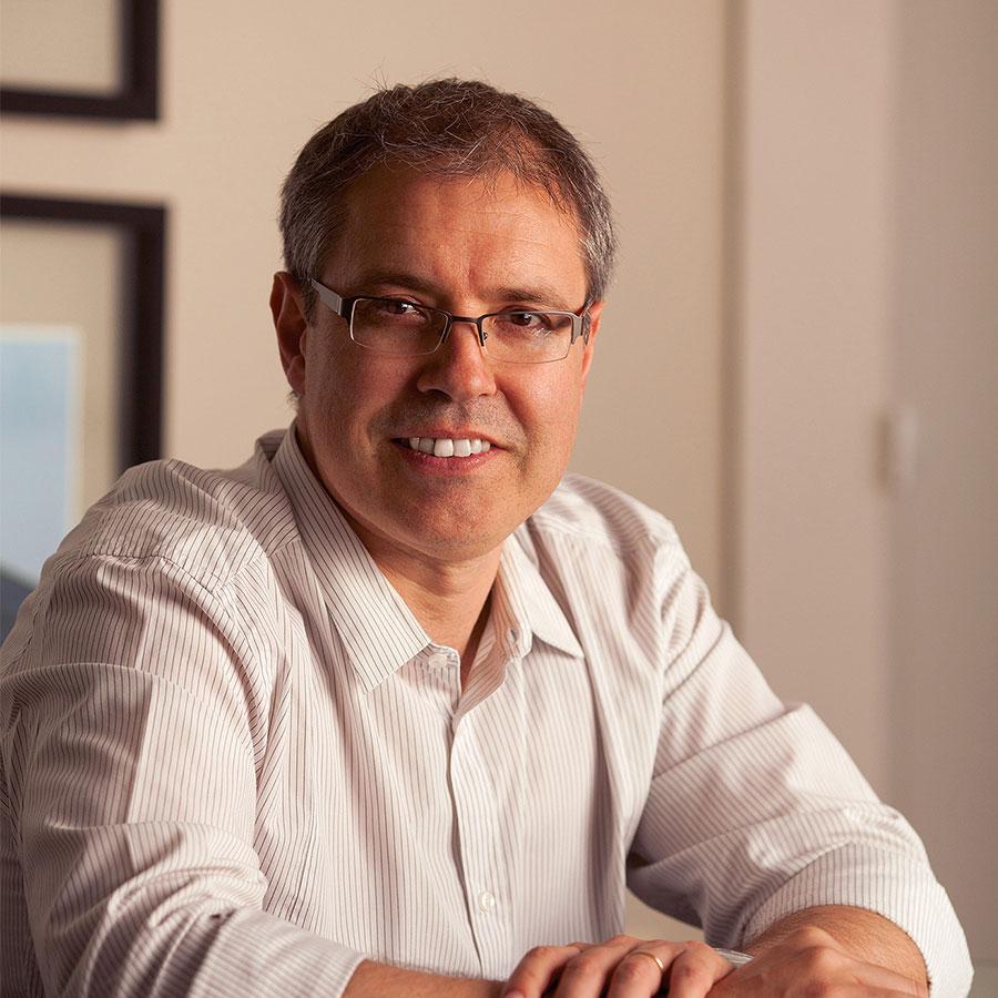 Arq. Fernando Pereira Figuerón